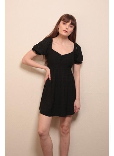 Reyon ışlemeli Mini Elbise Beyaz Siyah